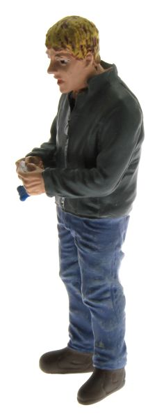 AT Collections 32125 - Fahrer rollt eine Zigarette links