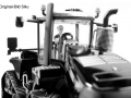Agritechnica 2015 - Messemodell Siku Case-IH-Quadtrac-600-Blackline vorn nah