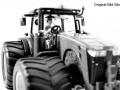 Agritechnica 2015 - Messemodell Siku-John-Deere-8360R-mit-Breitreifen vorne nah