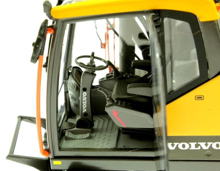 AT Collections 3200101 - Volvo EWR 150E Mobilbagger mit Mitas Doppel-Bereifung Lenkrad