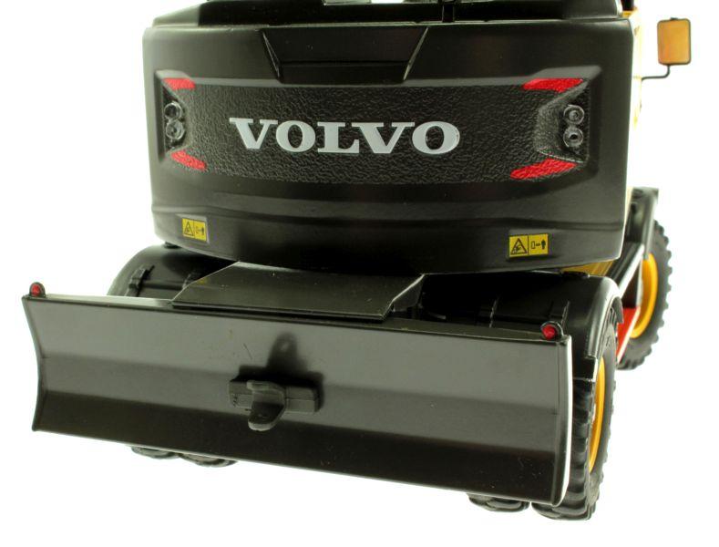 AT Collections 3200101 - Volvo EWR 150E Mobilbagger mit Mitas Doppel-Bereifung Schiebeschild