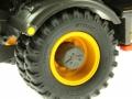 AT Collections 3200101 - Volvo EWR 150E Mobilbagger mit Mitas Doppel-Bereifung Reifen nah