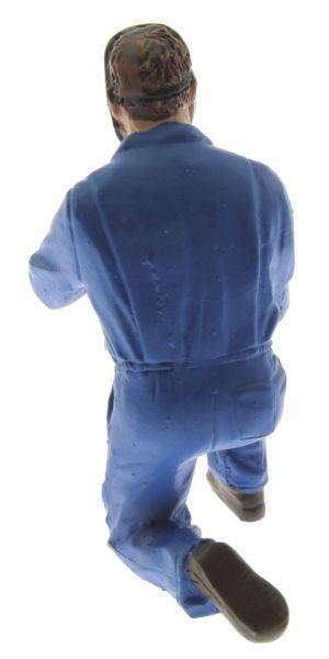 AT-Collections 32127 - Schweißender Fred auf den Knien hinten