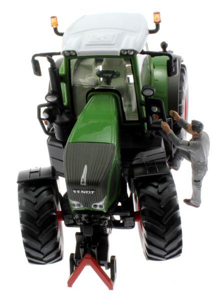 AT-Collections 32137 - Louis steigt auf den Traktor  Siku Trecker vorne