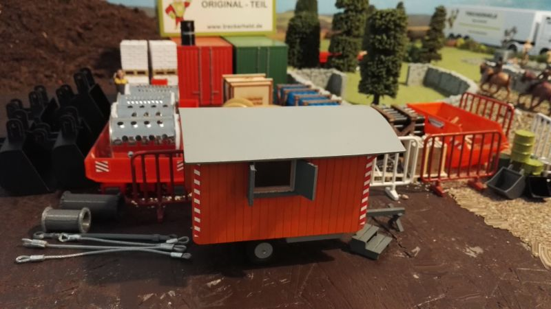Bauwagen auf der Baustelle - Maßstab 1:32
