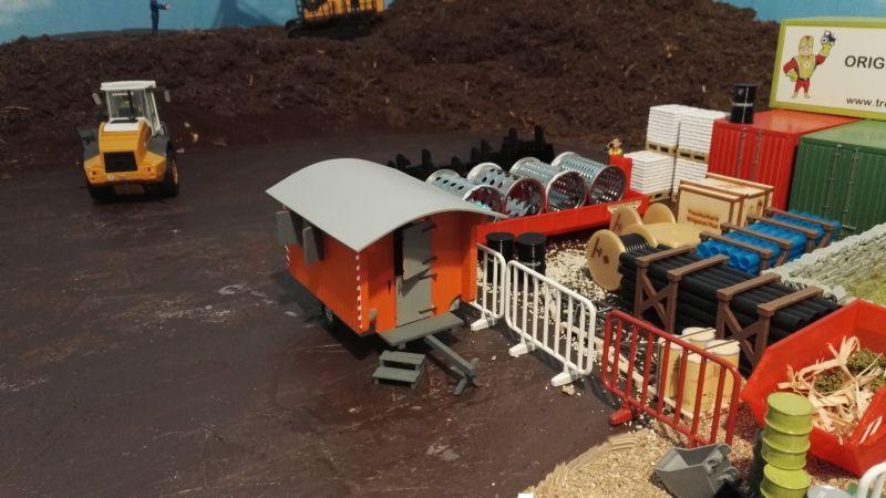 Bauwagen auf der Baustelle - Maßstab 1:32 Tür