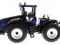 Britains 4308 - New Holland T9.565 Traktor links