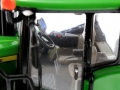 Ertl FS16 - John Deere 9620RX Sondermodell Farm Show 2016 Fahrersitz links