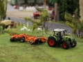 Farmworld Fehmarn - Claas Arion 640 mit Egge