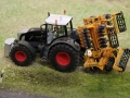 Farmworld Fehmarn - Fendt Black mit Grubber