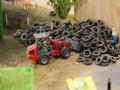 Farmworld Fehmarn - Weidemann Hoftrak beim Reifen verladen