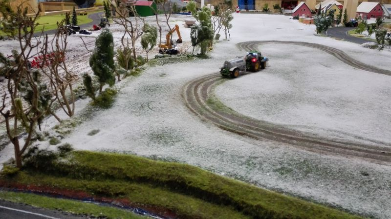 Farmworld Fehmarn - März 2015 John Deere mit Joskin Fasswagen