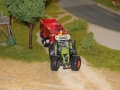 Farmworld Fehmarn Okt. 2015 - Claas Traktor mit Krampe Kipper