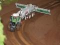 Farmworld Fehmarn Okt. 2015 - Fendt Traktor mit Fliegl Fasswagen auf Schienen-System