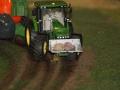 Farmworld Fehmarn Okt. 2015 - Traktor mit Steinen an der Front