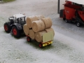 Farmworld Fehmarn Winter 2014 - Heuballen auf Anhänger