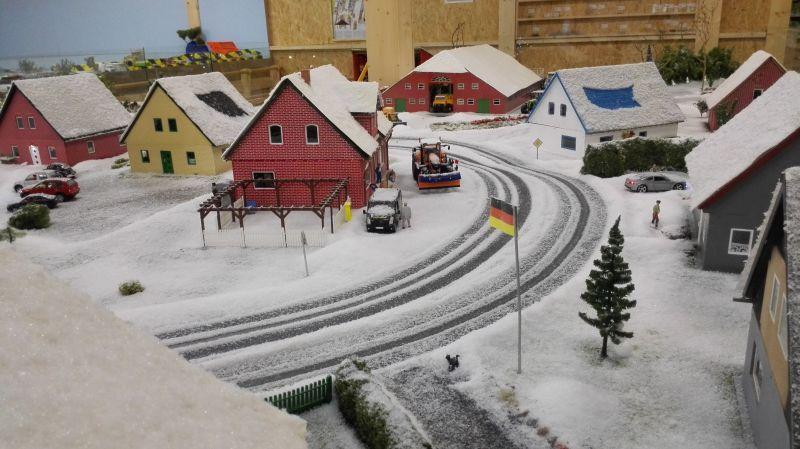 Farmworld Fehmarn Winter 2014 - Verschneite Dorfstraße