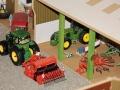 John Deere Traktor mit Saehmaschiene