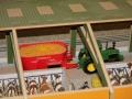 Maiswagen in der Scheune
