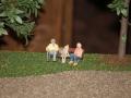 Opa auf der Bank bei einer Rast