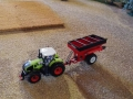 Field and fun - April 2015 - Claas Trecker mit Einachskipper