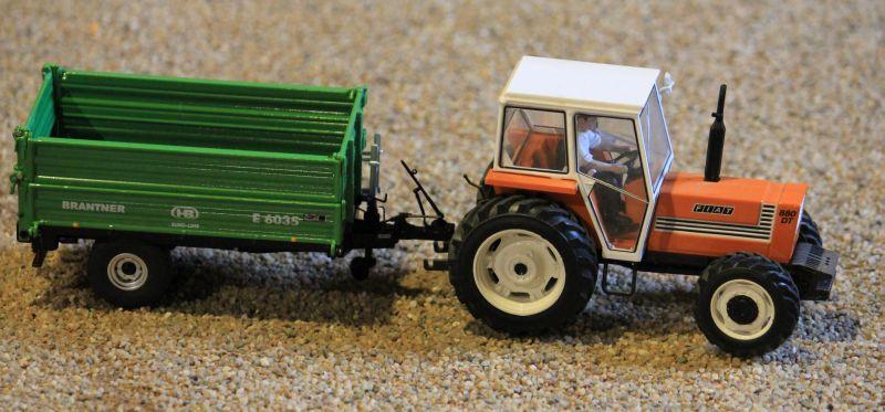 Field & Fun - Fiat Traktor mit Brantner Anhänger