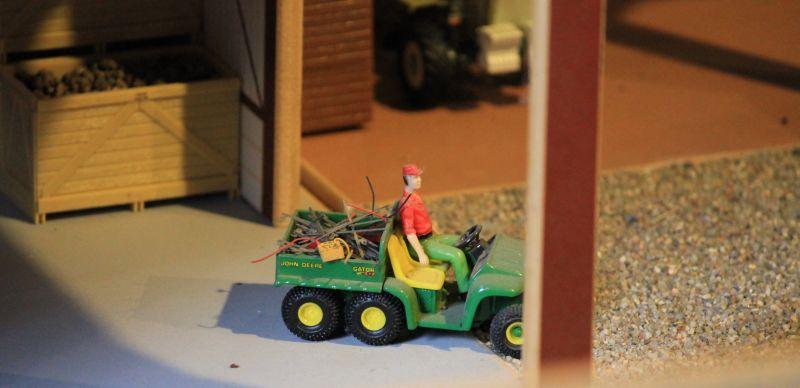 Field & Fun - John Deere Gator