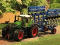 Field & Fun - Fendt 1050 unten vorne links