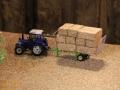 Field & Fun - Fendt Traktor mit Strohladewagen