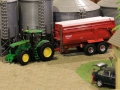 Field & Fun - John Deere Trecker mit Krampe Kipper