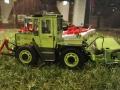 Field & Fun Sonderausstellung MB Trac   900 mit Deutz Mähwerk links