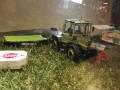Field & Fun Sonderausstellung MB Trac   900 mit Deutz Mähwerk vorne rechts