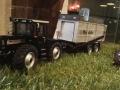 Field & Fun Sonderausstellung MB Trac Blackline mit Rapide Ladewagen vorne links
