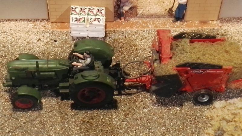Field and Fun Ostern 2016 - Klassischer Traktor