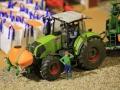 Field&Fun Sierhagen - Claas Axion Traktor mit Front-Tank