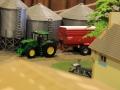 Field&Fun Sierhagen - John Deere Traktor mit Krampe Kipper