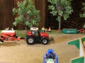 Field&Fun Sierhagen - Massey Ferguson 8737 Traktor