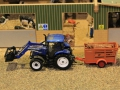 Field&Fun Sierhagen - New Holland Traktor mit Frontschaufel