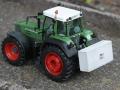 Miniaturbeton - Fendt 926 mit Beton Frontgewicht hinten