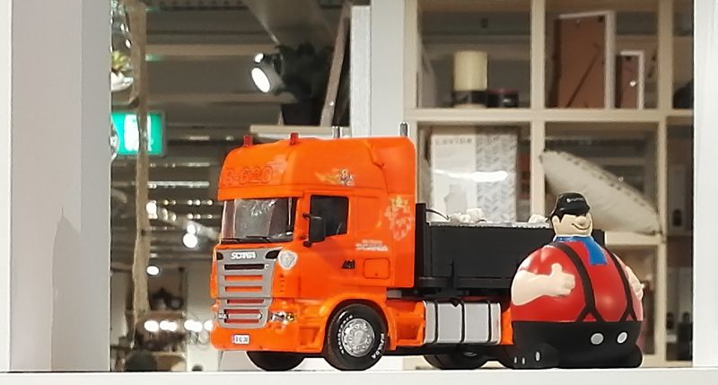 Möbel Kraft 2017 - Siku Control 32 Scania LKW in orange