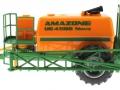 Siku 2563 - Hänger-Feldspritze Amazone UG 4500 Nova links