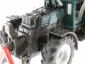 Siku 3052 - Fendt 209S Motor links