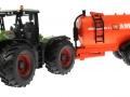 Siku 3271 und 2270 Class Xerion und Fasswagen Abbey Orange Vorne