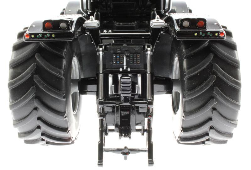 Siku 3271 - Claas Xerion 5000 Blackline hinten unten