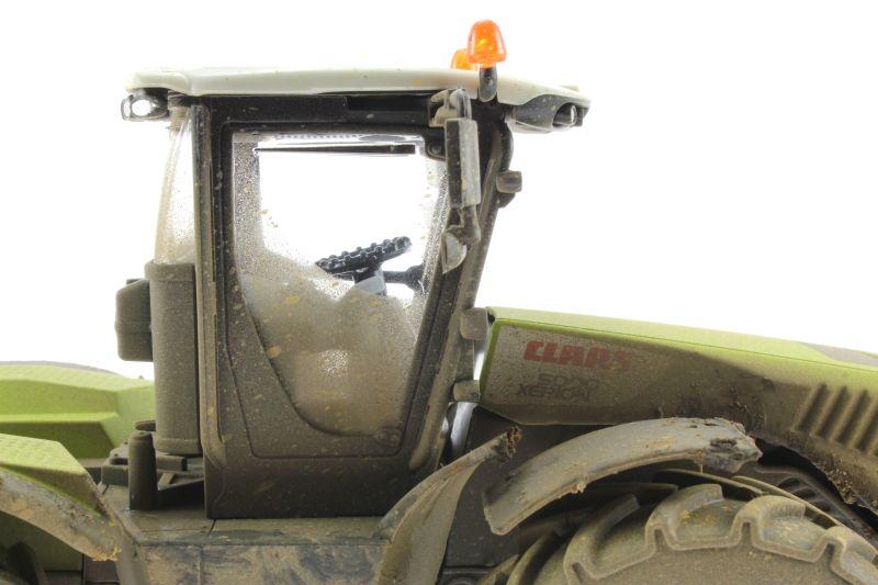 Siku 3271 - Claas Xerion 5000 Verschmutzt rechts nah