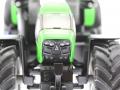 Siku 3284 - Deutz-Fahr Agrotron 7230 TTV vorne unten