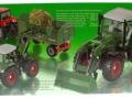 Siku 3554 - Traktor mit Schaufellader Fendt Vario 714 Karton hinten
