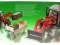 Siku 3653 - Traktor Massey Ferguson mit Frontgabel Karton hinten
