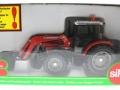 Siku 3653 - Traktor Massey Ferguson mit Frontgabel Karton vorne