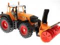 Siku 3660 - Traktor Fendt 920 Vario mit Schneefräse Schmidt vorne rechts